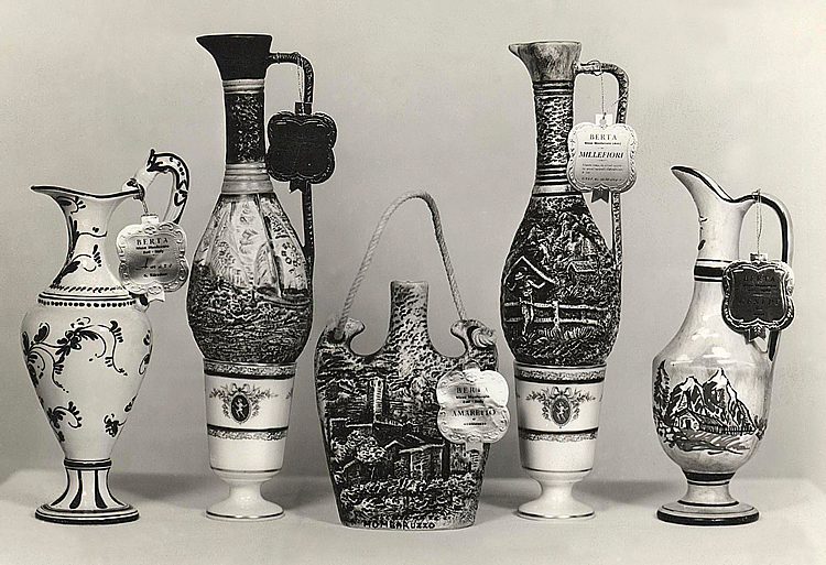 1961. Ceramic bottles from the Republic of San Marino depicting the town of Mombaruzzo and its surrounding area.