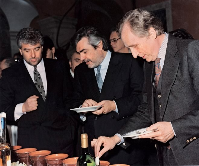 1991. Rome - Gianfranco, Giovanni Goria, then Agriculture Minister, and Giorgio Ruffolo, then Environment Secretary, during a presentation of typical Piedmont products.