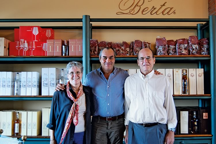 2008. American Prof. K. Barry Sharpless, winner of the 2002 Nobel Prize in Chemistry, and his wife, with Enrico.